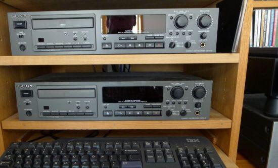 Đầu ghi và DA chuyên nghiệp SONY CDR-W33 ($795.00)